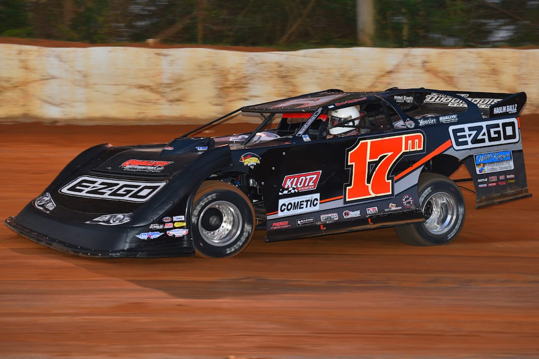 Dale McDowell en route to victory at 411 Motor Speedway. (Michael Moats photo)