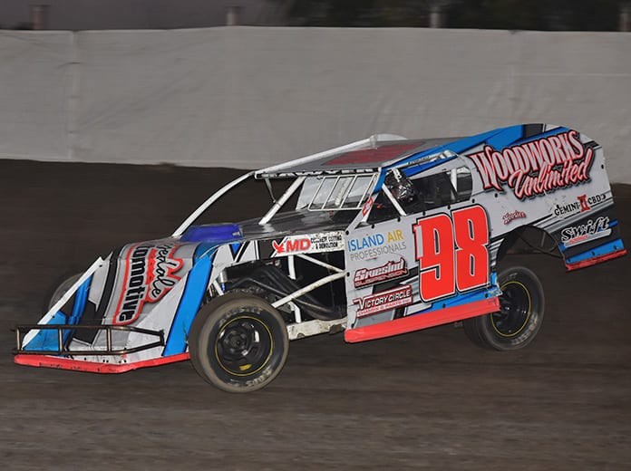 Robby Sawyer claimed night one of the Merced Speedway Dirt Nationals on Friday. (Joe Shivak Photo)