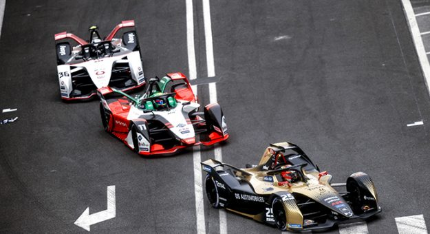 CIRCUITO CITTADINO DELL'EUR, ITALY - APRIL 10: Jean-Eric Vergne (FRA), DS Techeetah, DS E-Tense FE21, leads Lucas Di Grassi (BRA), Audi Sport ABT Schaeffler, Audi e-tron FE07, Andre Lotterer (DEU), Tag Heuer Porsche, Porsche 99X Electric, and Jake Dennis (GBR), BMW I Andretti Motorsport, BMW iFE.21 during the Rome ePrix I at Circuito Cittadino dell'EUR on Saturday April 10, 2021 in Rome, Italy. (Photo by Andy Hone / LAT Images)