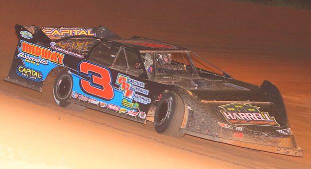 Shaun Harrell in action at Lake View Motor Speedway.