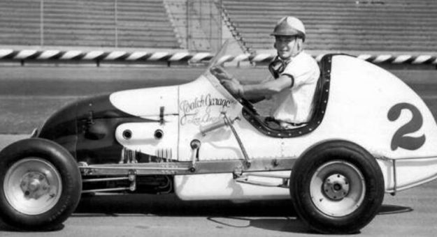 Danny Oakes won more than 150 midget features during his career. (Bob Gates Photo Collection)