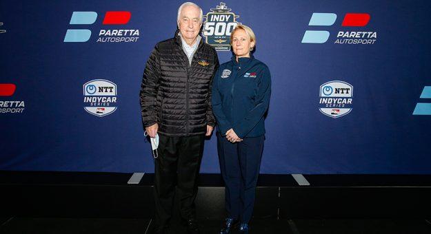 Roger Penske (left) with Paretta Autosport team owner Beth Paretta. (IndyCar Photo)