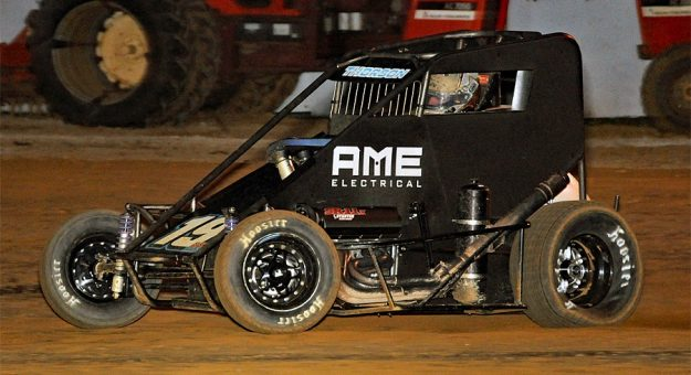 2021 Usac Imw Putnamville Tanner Thorson Feature Action Twc Photo