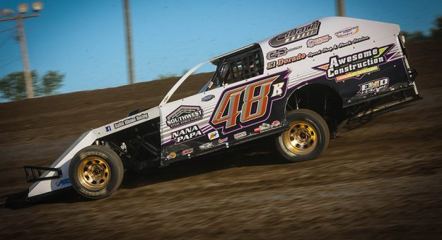 Kollin Hibdon raced to his second IMCA Modified special event win in North Dakota in as many weekends, topping the Don Gumke Racers' Memorial at Jamestown Speedway Saturday evening. (Cody Papke Photo)