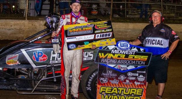 Kory Schudy made a last-lap pass payoff for the USAC Midwest Wingless Racing Association Victory. (Joshua Allee Photo)
