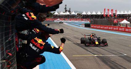 Verstappen Runs Down Hamilton In France