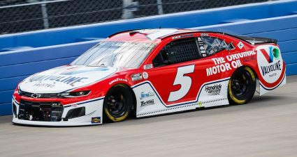 Larson Takes Aim At Fourth Straight Cup Points Win