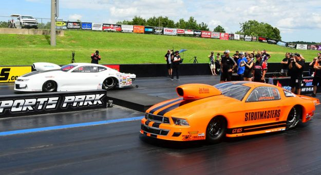 J.R. Carr (far lane) beat Johnny Pluchino in the Mountain Motor Pro Stock final during the PDRA Summer Shootout. (Roger Richards Photo)