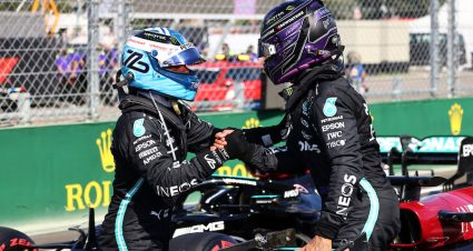 Hamilton Leads Mercedes 1-2 In Hungary