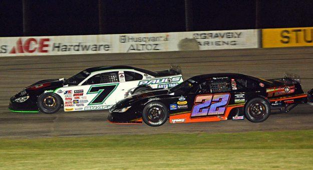 Paul Shafer Jr. (7) holds off Sammy Smith Tuesday at Wisconsin Int'l Raceway. (Stan Kalwasinski Photo)
