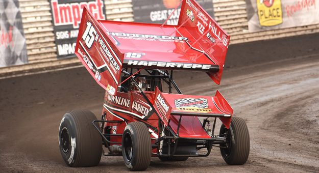 Sam Hafertepe Jr. won the opening round of the 360 Knoxville Nationals. (Paul Arch Photo)
