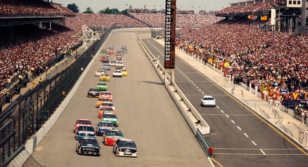 The start of the inaugural Brickyard 400 in 1994.