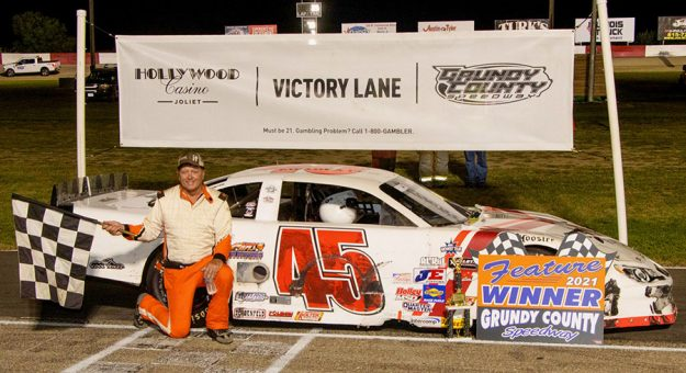 Wisconsin's Rich Bickle Jr. in victory lane at the Grundy County Speedway in Morris, Ill., after winning the 30-lap late model feature race Saturday night. (Chris Goodaker Photo)