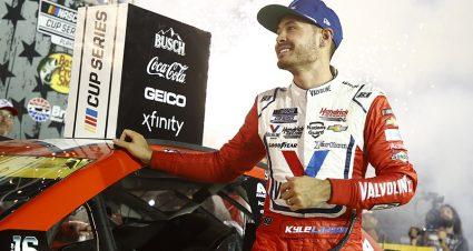 Larson On Pole For NASCAR's Return To Vegas