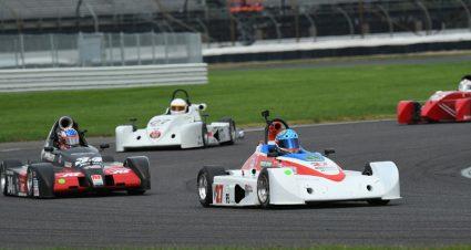 De Vries Claims Formula 500 Runoffs Title