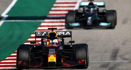 Verstappen Denies Hamilton During U.S. Grand Prix